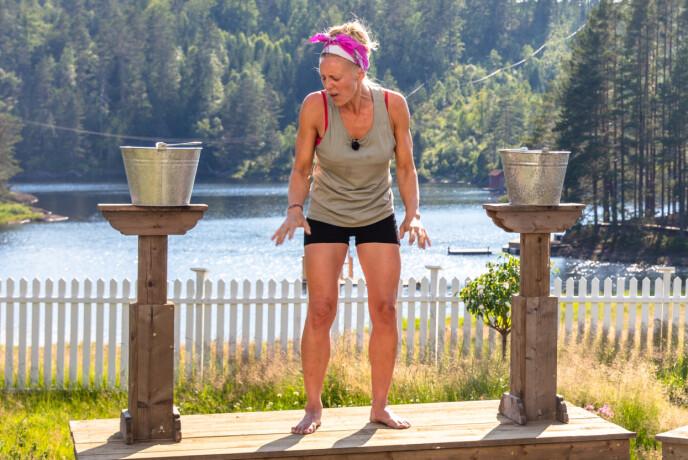 UTE: Det var en svært lite fornøyd Sølje Bergman som måtte forlate konkurransen rett før finalen. Foto: Alex Iversen / TV 2