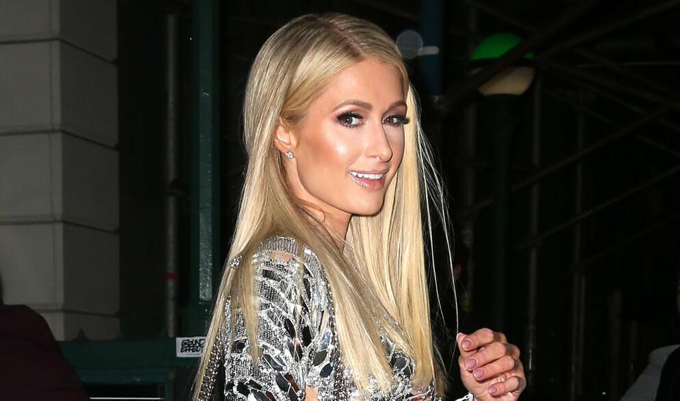 RAUS: Penger er tilsynelatende intet problem for hotellarving Paris Hilton - som nylig ga hunden sin en svindyr gave. Foto: Broadimage / Rex / NTB