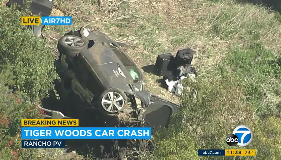 STORE SKADER: Dette er bilen til Tiger Woods etter ulykken. Foto: AP/NTB