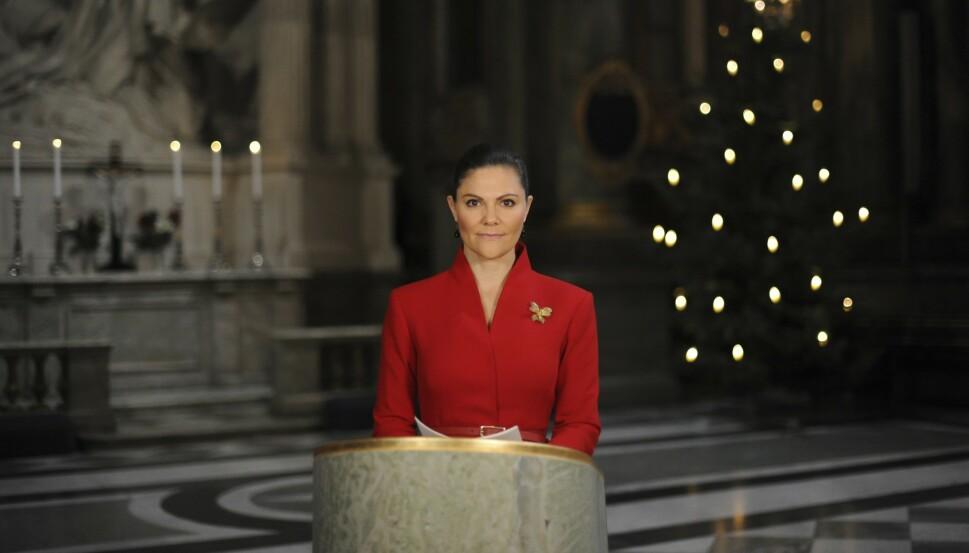 ET ANNERLEDES ÅR: Det har vært et utfordrende år for den svenske kongefamilien. Her fra da kronprinsessen leste juleevangeliet digitalt, julen 2020. FOTO: Erik Lundström