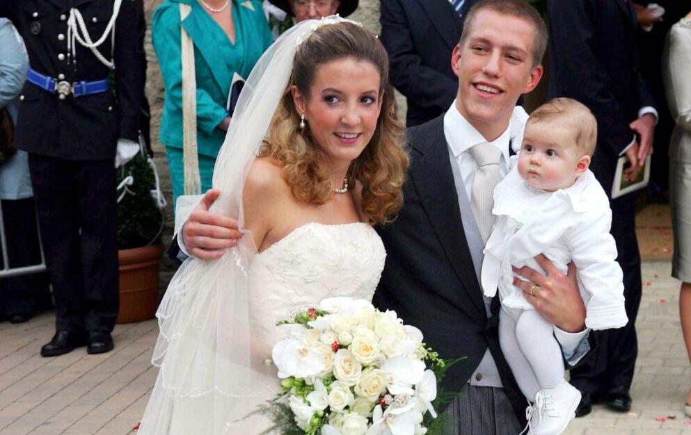 BARN FØR BRYLLUP: Tessy og prins Louis avbildet under bryllupet sitt i 2006. Nå venter Tessy barn igjen - med sin nye forlovede. Foto: Frank Rollitz/ REX/ NTB
