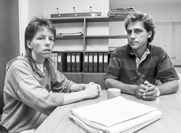 BLE INFORMERT: Inger-Lise blir her orientert om status av etterforskningsleder Bjørn Haneborg i Kripos. Det skjedde et par måneder etter forsvinningen i 1988. Foto: Nils J. Maudal