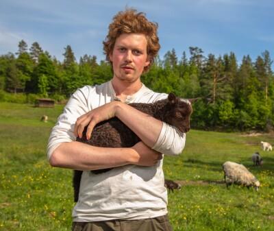 Image: Faren om «Farmen kjendis»: - Merkelig