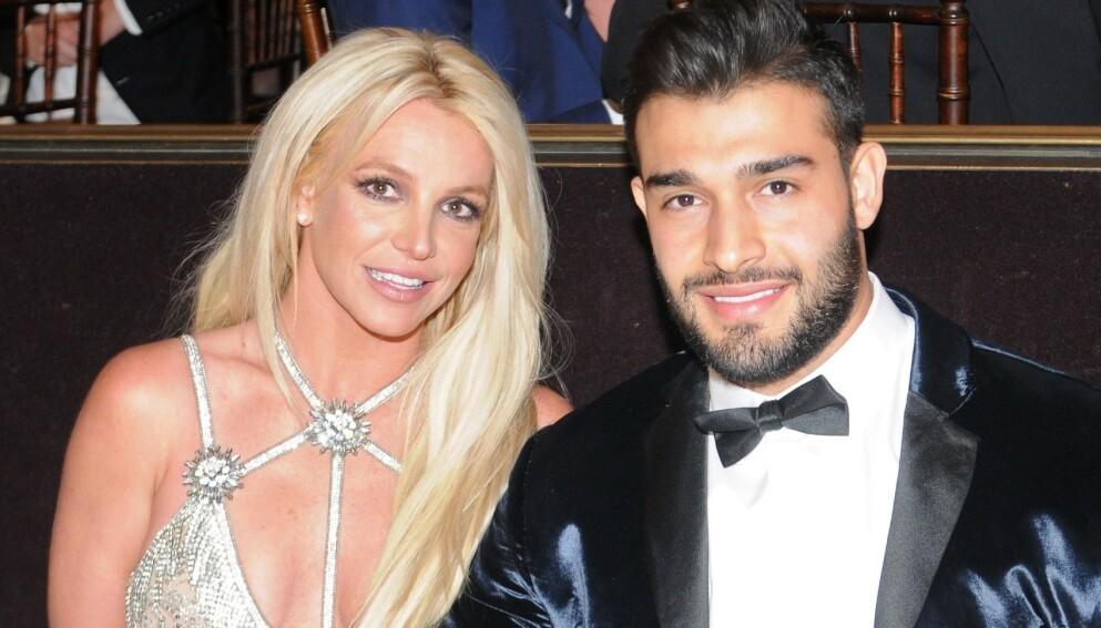 STØTTE: I etterkant av Britney Spears' sjokkerende forklaring i retten har kjæresten vært en stor støtte. Foto: Vivien Killilea / AFP / NTB