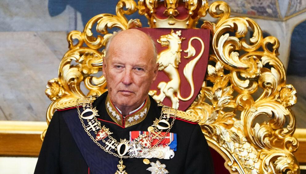 FORLENGES: I en pressemelding fra Slottet kommer det frem at kong Harald forblir sykmeldt frem til 11. april. Foto: Terje Pedersen / NTB