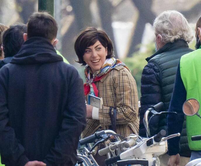 I MILANO: Her er superstjernen avbildet under filminnspillingen i Italia. Foto: Splash News / NTB