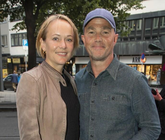 FAMILIELIV: Jon Øigarden lever et etablert familieliv med kona Caroline og tre barn. Foto: Tore Skaar / Se og Hør