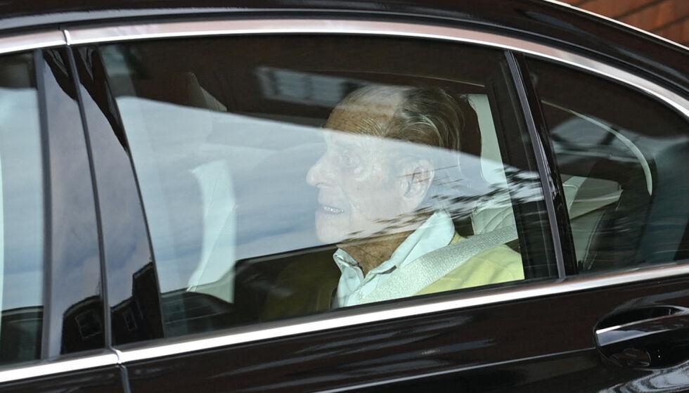 99: Prins Philip har de seneste ukene ligget innlagt på sykehus i London. Nå er han skrevet ut. Foto: Alastair Grant / AP Photo / NTB