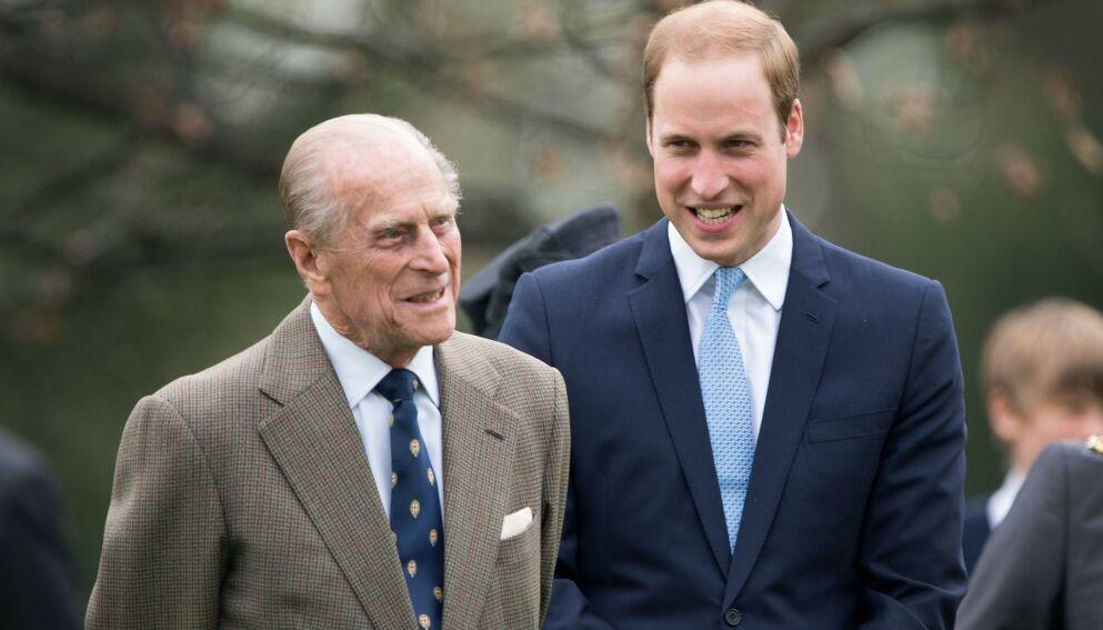 UTSKREVET: Prins Philip har etter flere uker på sykehuset blitt utskrevet. Barnebarnet, prins William, har tidligere uttalt seg om bestefarens situasjon. Foto: REX / NTB