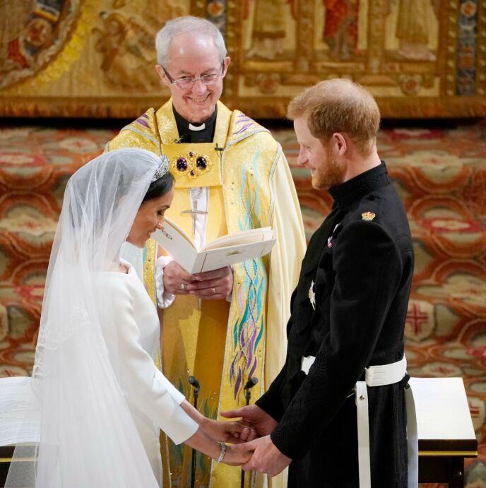 2018: Hertugparet av Sussex giftet seg i Windsor i 2018. Forrige uke avslørte imidlertid paret at de allerede var gift. Her med erkebiskopen av Canterbury, Justin Welby. Foto: REX / NTB