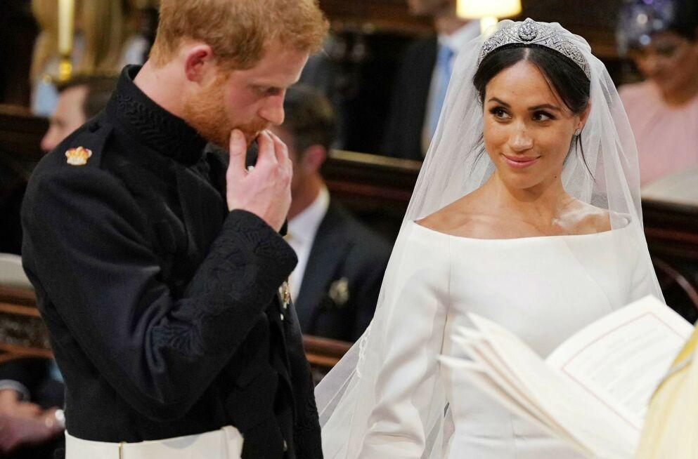 GIFT TO GANGER?: Prins Harry og hertuginne Meghan avslørte at de giftet seg allerede tre dager før det store bryllupet. Det har fått prester til å tvile. Her under vielsen i St George's Chapel 19. mai 2018. Foto: REX/ NTB