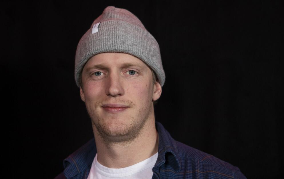ÅPNER SEG: Den tidligere ishockeyspilleren Erik Follestad forteller om ADHD-diagnosen i komiker Morten Ramms podkast. Foto: Terje Bendiksby / NTB