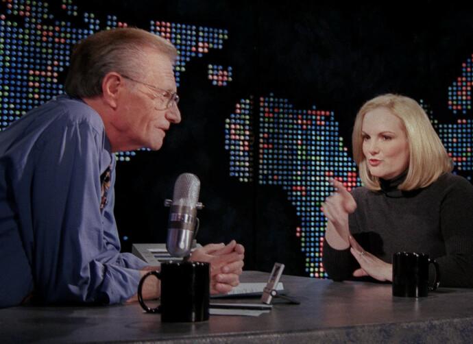 AKTIV TANTE: Patty Hearst har levd et aktivt liv etter at hun ble benådet av president Clinton. Her gjester hun Larry King Live på CNN i 2001. FOTO: NTB