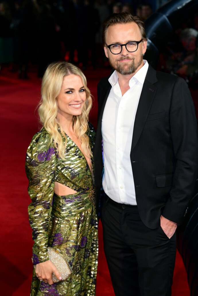 PENT PAR: Amanda Hearst og hennes norske mann, regissør Joachim Rønning, på premieren av filmen hans Maleficent i 2019, der Angeline Jolie spiller hovedrollen. Foto: Ian West/PA Wire/NTB