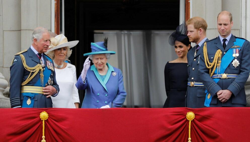 TAR GREP: Det har blitt sagt og ment mye om den britiske kongefamilien den siste tiden. Foto: Tolga AKMEN / AFP / NTB