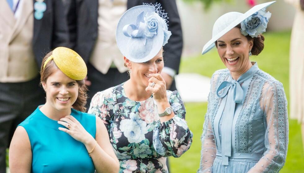 BABYLYKKE: Zara og Mike Tindall har fått en sønn. Her er førstnevnte med prinsesse Eugenie og hertuginne Kate. Foto: Shutterstock / Rex / NTB