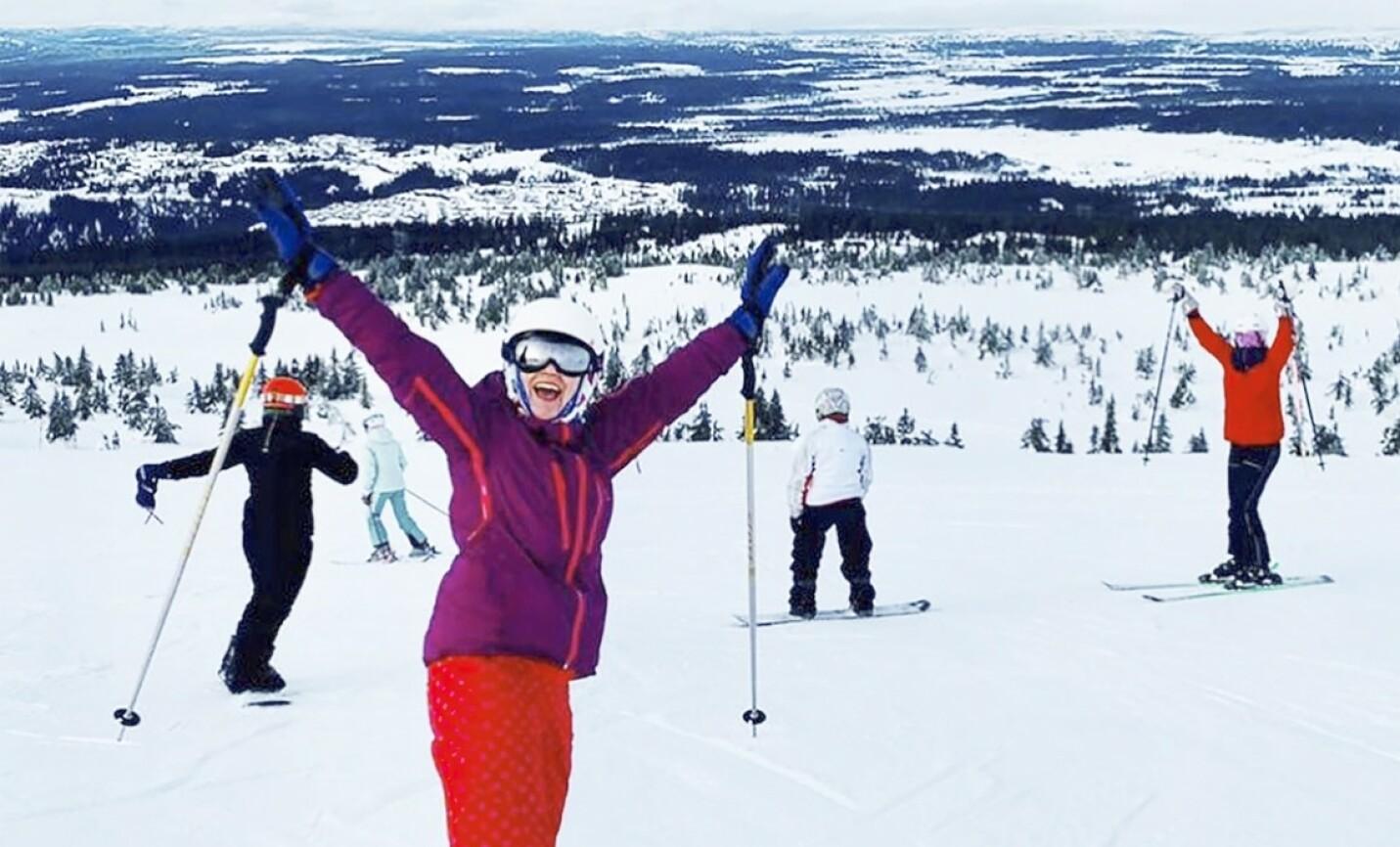 SPORTY: Prinsesse Märtha Louise har hatt deilige feriedager på Lillehammer og Hafjell sammen med sine tre døtre. FOTO: @iam_marthalouise/Instagram