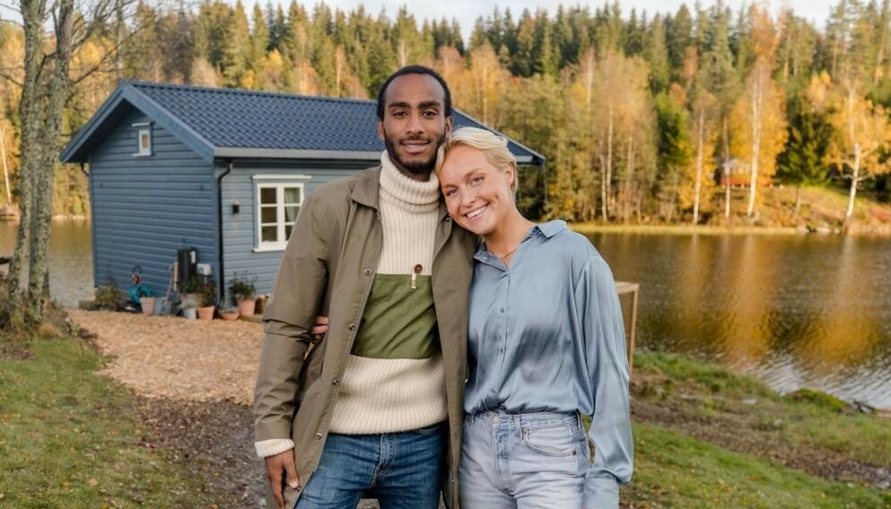 VINNERE: Levi Try og kjæresten Øyunn Krogh vant TV 2-programmet «Sommerhytta» i fjor. Nå skal førstnevnte jobbe for kanalen. Foto: TV 2