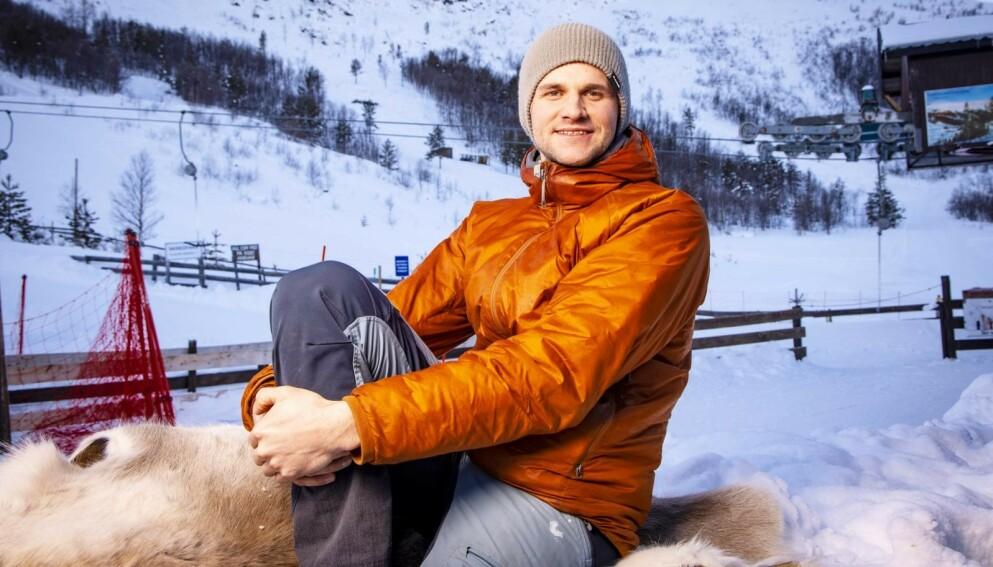 GIKK FORT: – Jeg er godt kjent i fjellet her, men det hjalp ikke så mye da raset gikk, sier Eirik. Hjemme i Vågå trives han fortsatt med å kjøre på ski. Foto: Tor Lindseth / Se og Hør
