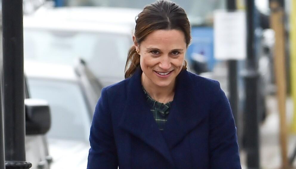 FØRSTE GANG: Pippa Middleton viste ansikt bare én uke etter at datteren kom til verden. Foto: Neil Warner /MEGA / NTB