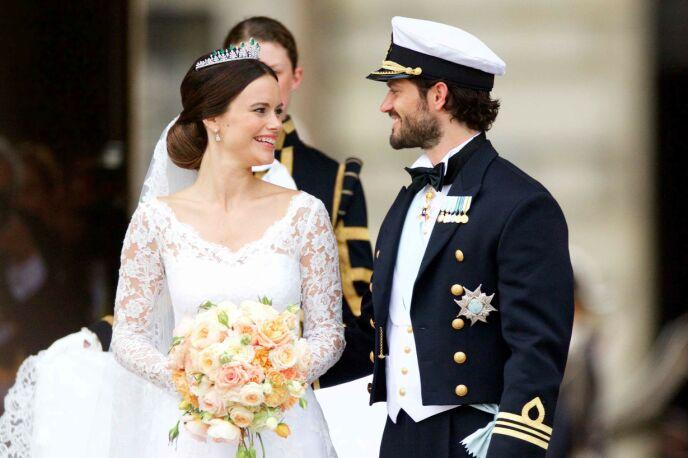 STASELIG: Prinsesse Sofia og prins Carl Philip giftet seg på storslått vis i 2015. Foto: NTB
