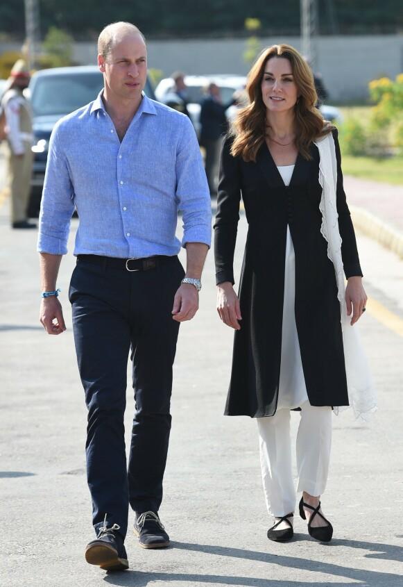 BESKYTTENDE: Prins William skal visstnok være veldig beskyttende når det kommer til kona, hertuginne Kate. Foto: Tim Rooke/ Shutterstock / NTB