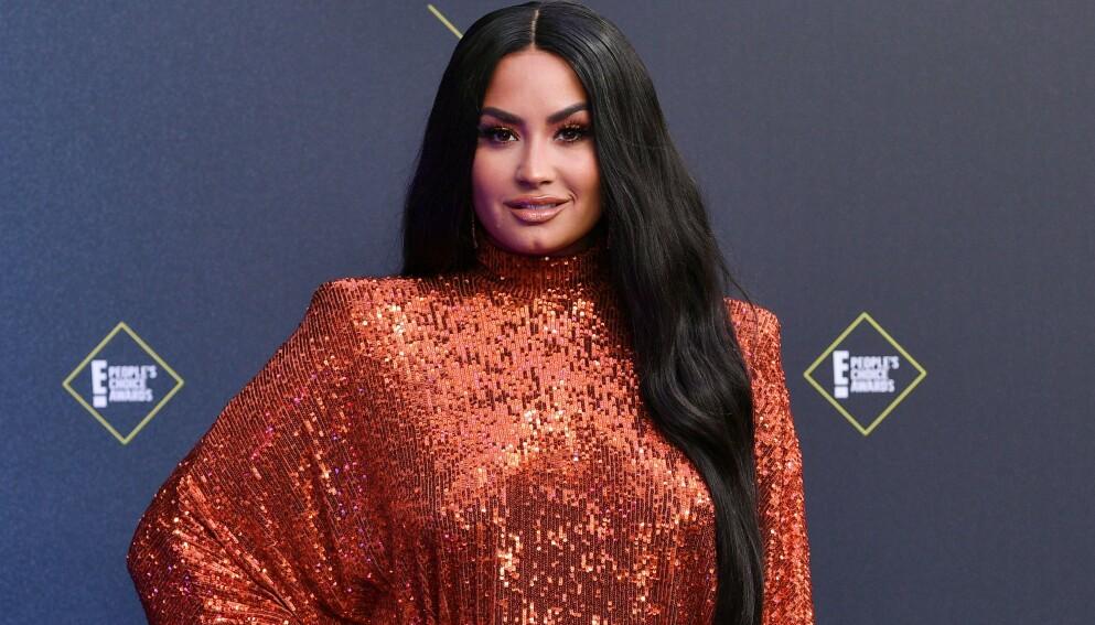 FLYTENDE: Demi Lovato er for tiden singel etter den brutte forlovelsen i fjor. Foto: Rob Latour/Shutterstock/NTB