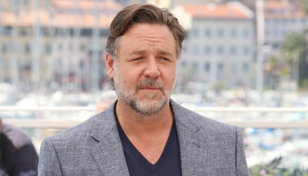 SORG: Skuespiller Russell Crowe er i stor sorg etter at faren hans døde. Nå minnes han faren på Twitter. Foto: Matt Baron / REX / NTB