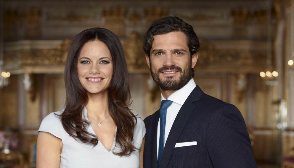 TRE BARN: Prinsesse Sofia og prins Carl Philip fikk sin tredje sønn fredag i forrige uke. Nå deler de nye bilder av prinsen. Foto: Kungahuset / NTB