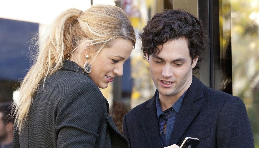 POPULÆR SERIE: «Gossip Girl»-stjernene Blake Lively og Penn Badgley på settet i 2011. Foto: Broadimage / REX / NTB
