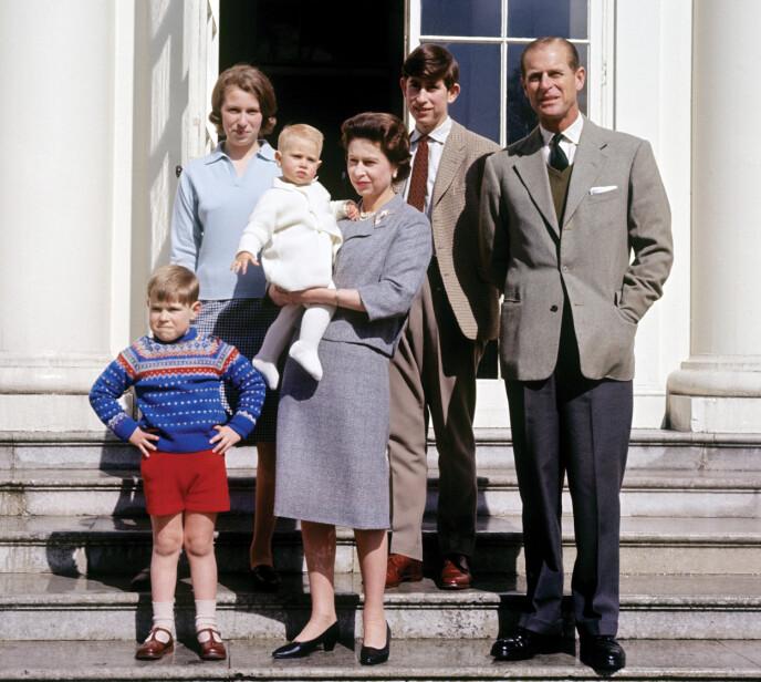 FIKK FIRE BARN: Dronning Elizabeth og prins Philip fikk fire barn sammen. Her i 1965. Foto: Pa Photos / NTB