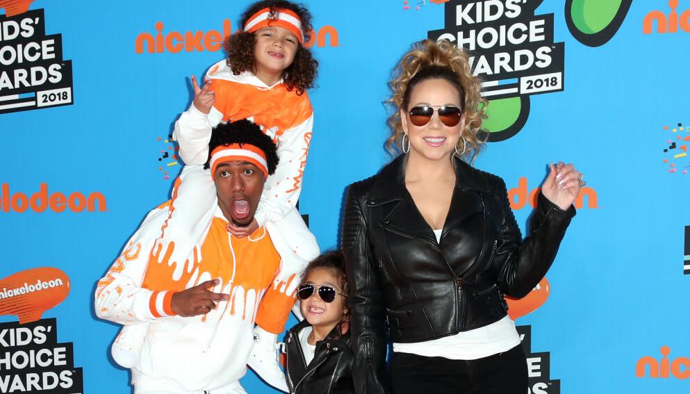 TO SETT MED TVILLINGER: Sammen med Mariah Carey har Nick Cannon tvillingene Moroccan og Monroe. Her er de på den røde løperen under Nickelodeon Kids' Choice Awards i Los Angeles i 2018. Foto: Chelsea Lauren/REX/NTB