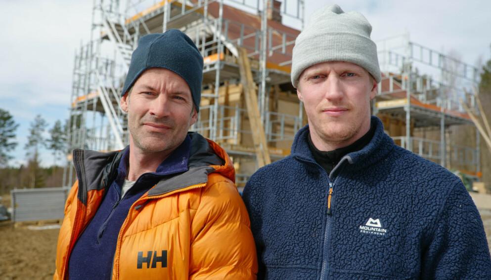 NY DUO: Jon Almaas og Erik Follestad ble noe uventet gode venner under fjorårets «71 grader Nord». Nå får de sitt eget TV-program. Foto: Discovery