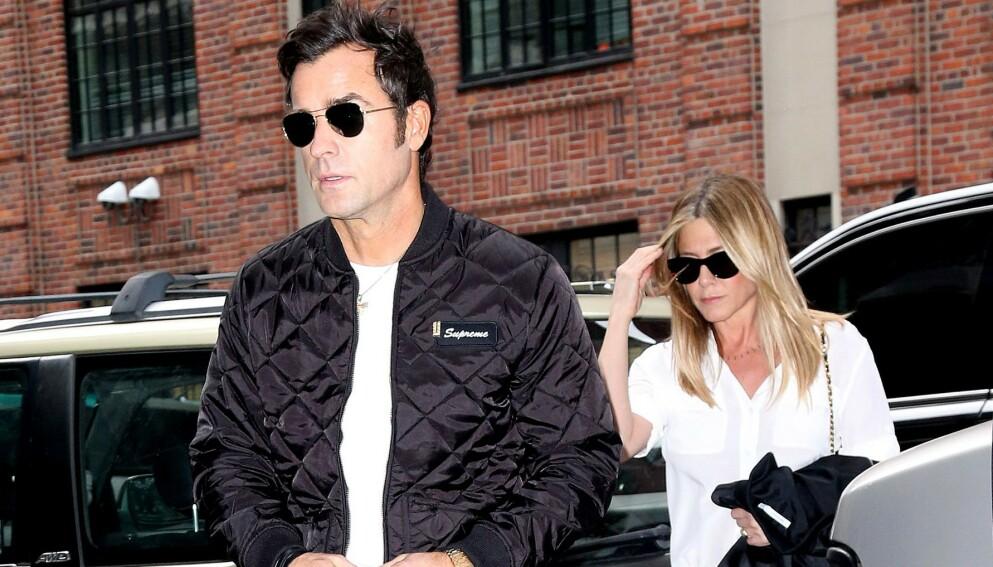 NÆRE: Ikke alle Hollywood-skilsmisser, eller skilsmisser generelt, er like harmoniske som den mellom Justin Theroux og Jennifer Aniston. Her avbildet sammen i Los Angeles i januar 2015. Foto: Broadimage /REX / NTB