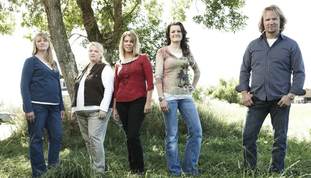 POLYGAM: Kody Brown og hans fire koner Christine, Janelle, Meri og Robyn har engasjert og underholdt TV-seere gjennom «Sister Wives» i elleve år. Foto: Puddle Monkey Prods / Kobal / REX / NTB