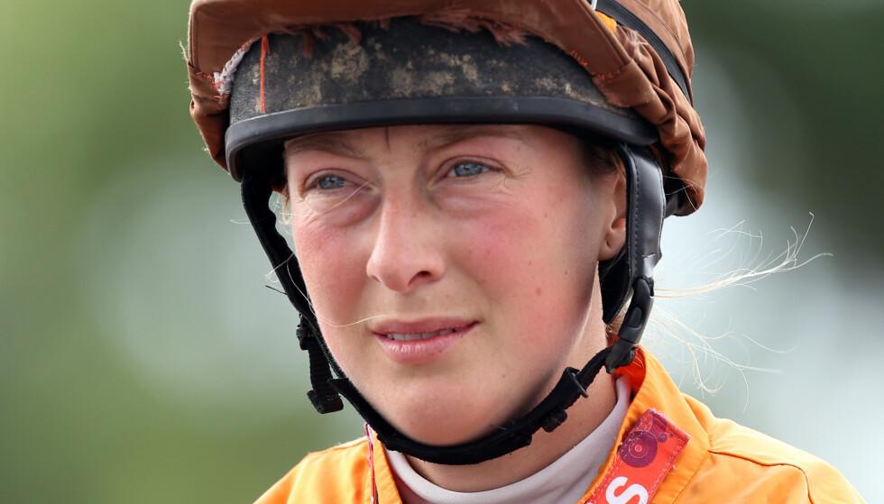 TRAGISK FALL: Lorna Brooke hadde et stygt fall på ridebanen. Hun døde etterfølgende av skadene på sykehuset. Foto: NTB