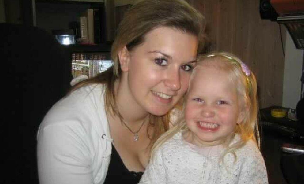 PÅ TV: Malin Hammersgård og datteren Lotte var blant profilene man kunne følge i den første sesongen av «Unge mødre». I dag er livet ganske annerledes. Foto: Privat