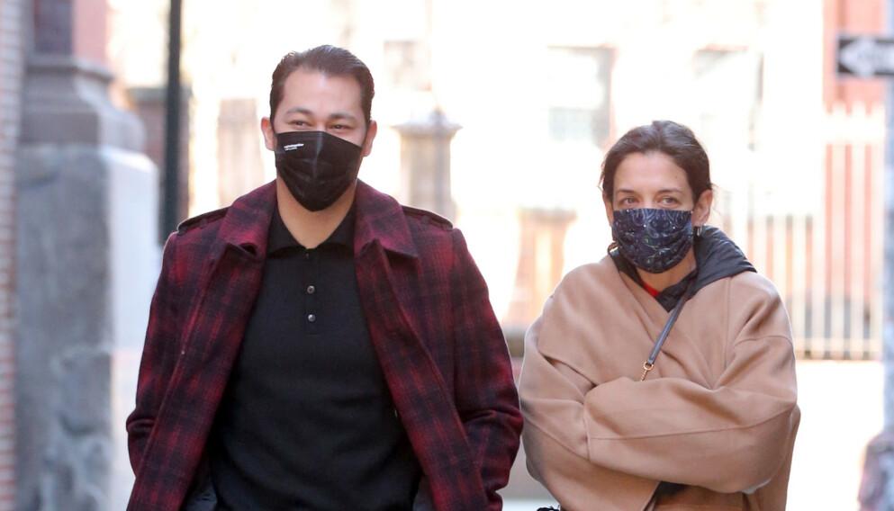 KJØLIG: Det er ikke bare New Yorks gater som er kjølig i mars. Også forholdet mellom Katie Holmes og Emilio Vitolo Jr. skal nemlig være på vei til å kjølne. Foto: Christopher Peterson / SplashNews / NTB