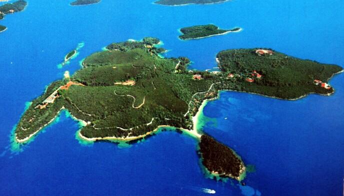 SPESIELL ØY: På øyen Skorpios har Onassis-familien arrangert både bryllup og begravelser. Foto: Stuart Clarke/ REX/ NTB