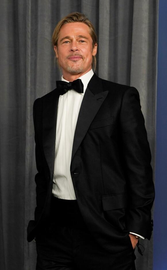 FRISYRE: Brad Pitt ankom Oscar-utdelingen med ny sveis natt til mandag. Foto: Chris Pizzello / Pool / REUTERS / NTB