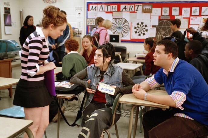 TRIO: Venneduoen «Janis Ian» og «Damien Leigh» hjelper hovedrollen gjennom filmen. Foto: Moviestore/REX/NTB