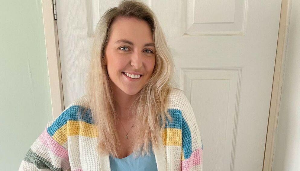 ÅPENHJERTIG: Rebekah Wilkinson viser åpent frem et liv med utlagt tarm i sosiale medier. Det gjør hun ikke helt uten grunn. Foto: Skjermdump fra Instagram