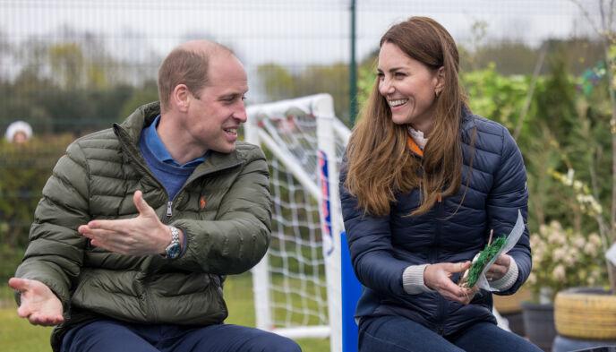 ROJALT BESØK: William og Kate besøkte tirsdag ungdomsorganisasjonen Cheesy Waffles Project. Foto: Andy Commins / Daily Mirror / Pa Photos / NTB