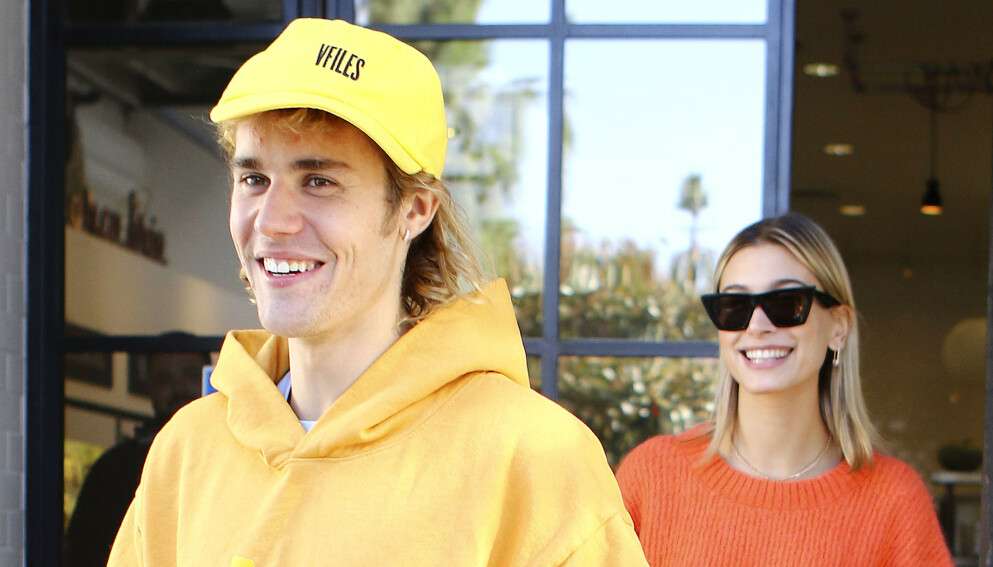KRITKK: Justin Biebers nye hårfrisyre har fått massiv kritikk de siste dagene. Her er han avbildet i 2018 med kona Hailey Bieber. Foto: Splash News / NTB