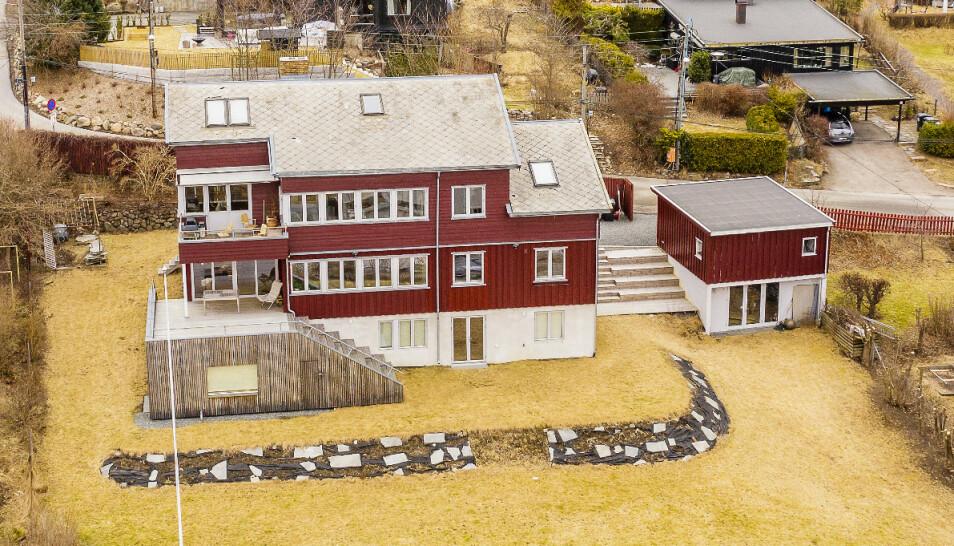 MEKTIG FAMILIE: NATO-sjef Jens Stoltenberg eier halvparten av denne boligen i Oslo, selvom han for tiden ikke bor i Norge. I husets andre del bor FHI-toppen Camilla Stoltenberg. FOTO: Tor Lindseth