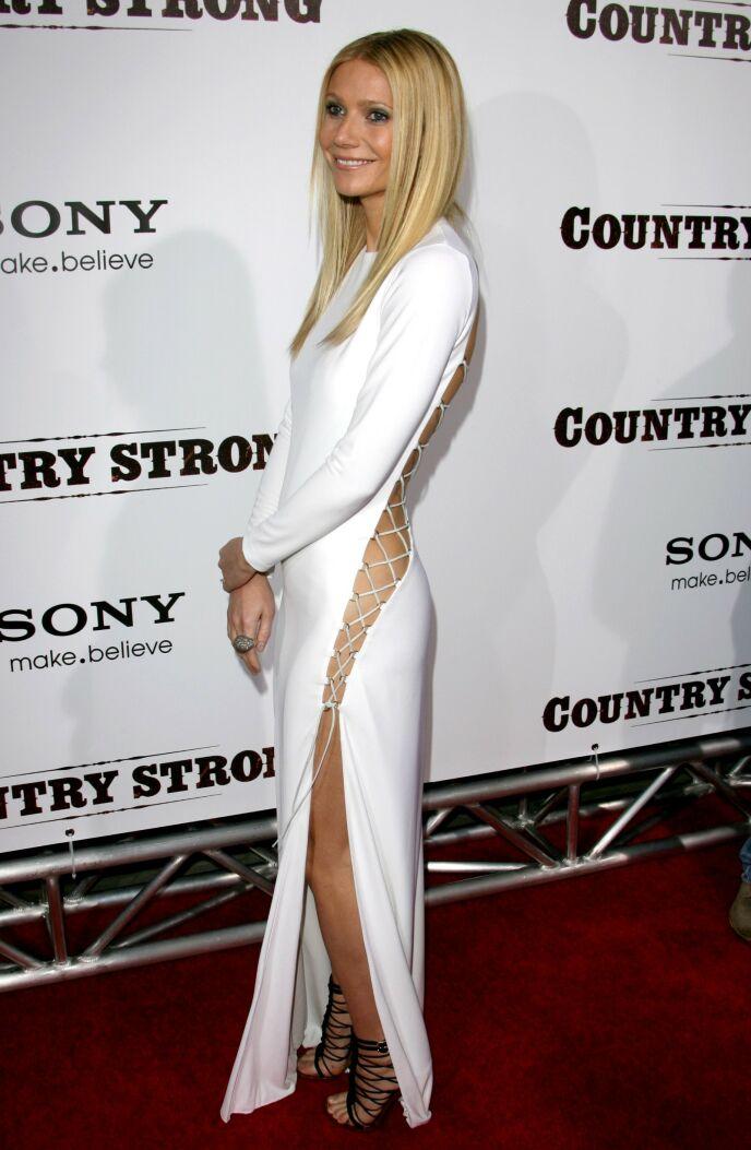 ÅPEN: I denne kjolen kunne ikke Paltrow ha på seg undertøy. Foto: Matt Baron / BEI / REX / NTB