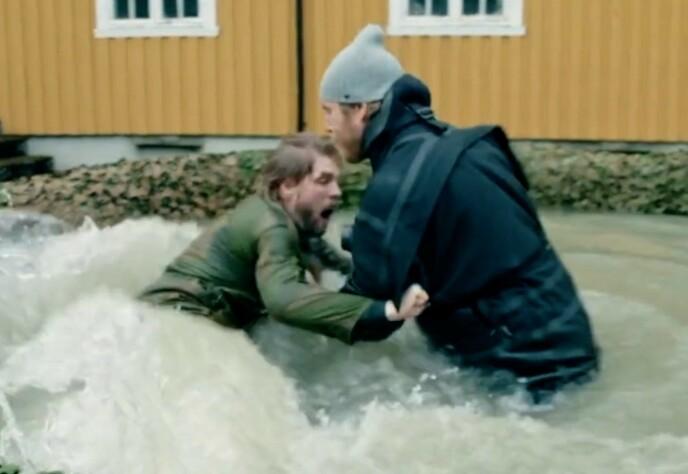 FIKK KJØRT SEG: Jakob Schøyen Andersen legger ikke skjul på at han ble helt satt ut da Norges sterkeste mann kjørte ham under vann når han allerede var ekstremt sliten. Foto: TV 2