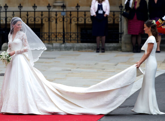 MINNEVERDIG: Mens bruden naturligvis var bryllupets midtpunkt, stjal også søstera Pippa Middleton oppmerksomheten til fotografene. Foto: Willi Schneider/ REX / NTB