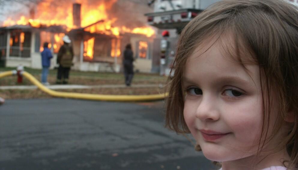 «DISASTER GIRL»: Zoë Roths fire år gamle ansikt er kjent for mange over hele verden. Foto: Dave Roth