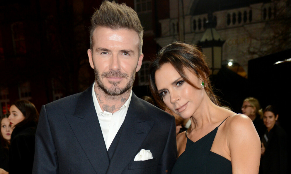 IKKE OVERBEVIST: Victoria Beckham latterliggjorde en gave fra Justin Bieber. Her med ektemannen David Beckham i 2018. Foto: Richard Young /REX / NTB